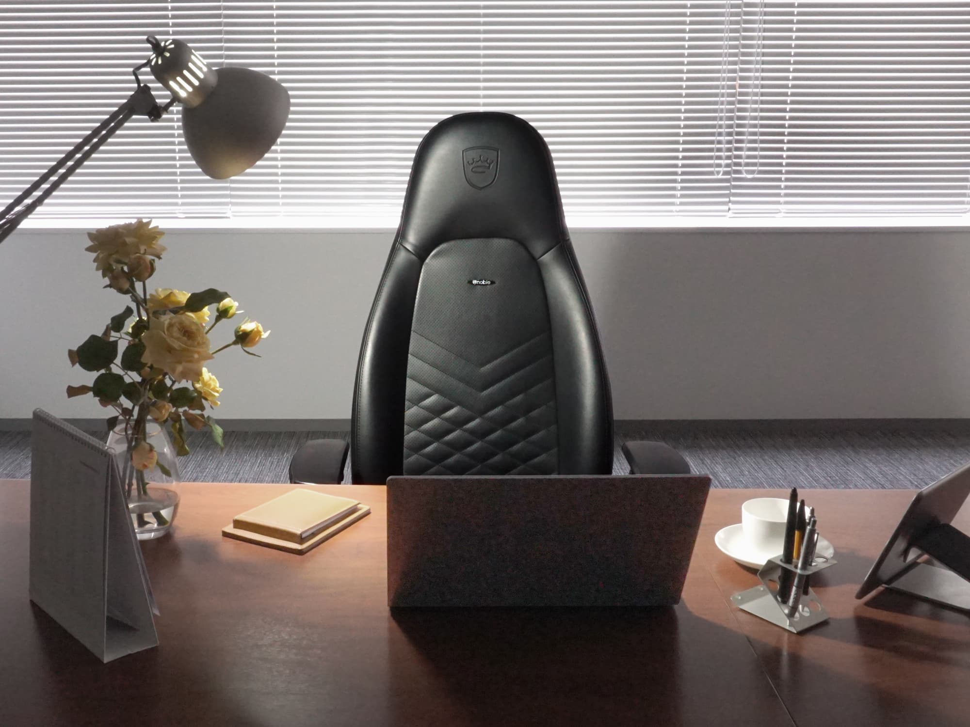 noblechairs-ICON-BK-image-06